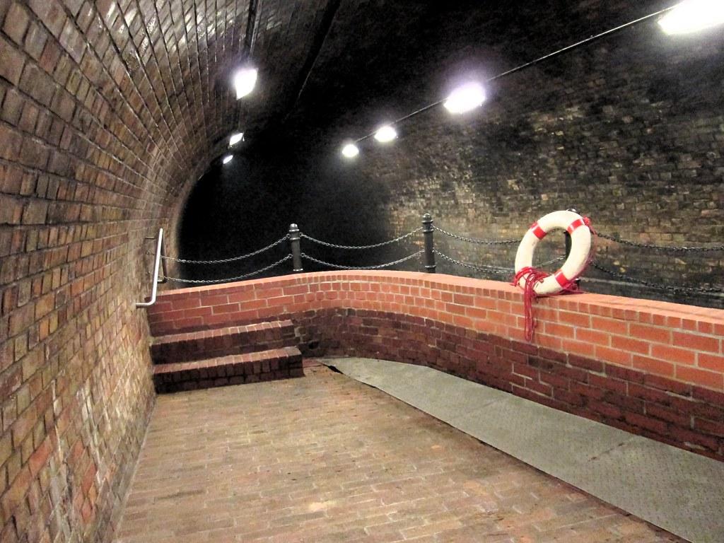 Eingang Kronleuchtersaal Köln ~ Besuch im kronleuchtersaal der kölner kanalisation flickr
