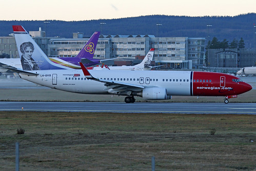 B737-8JP LN-DYS at ENGM/OSL 19-11-2013 | by Ole Johan Beck