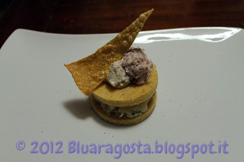 04-polenta e baccalà con due mousse e chips di polenta