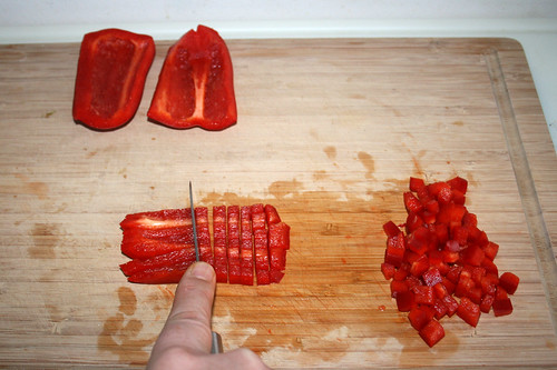53 - Paprika würfeln / Dice bell peper