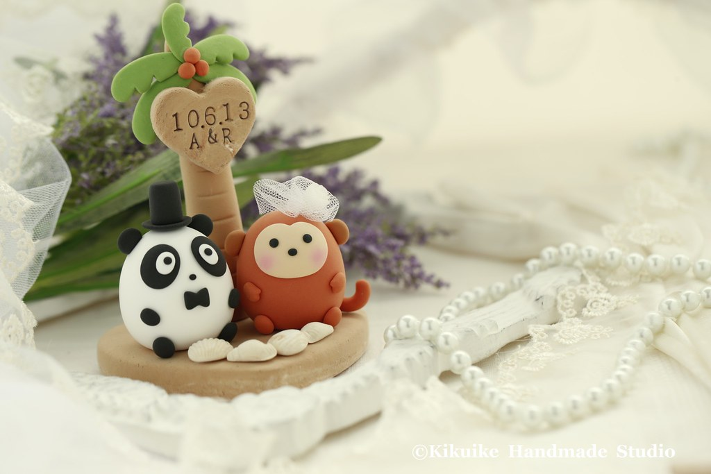 Love panda & monkey wedding cake topper | www.facebook.com/p… | Flickr