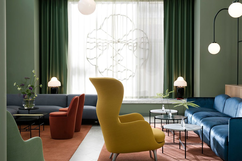 Modern hotel design in Madrid by Spanish designer Jaime Hayon Sundeno_01