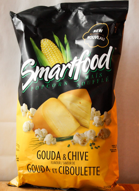Product Review of Smartfood's Newest Flavour - Gouda & Chive Popcorn