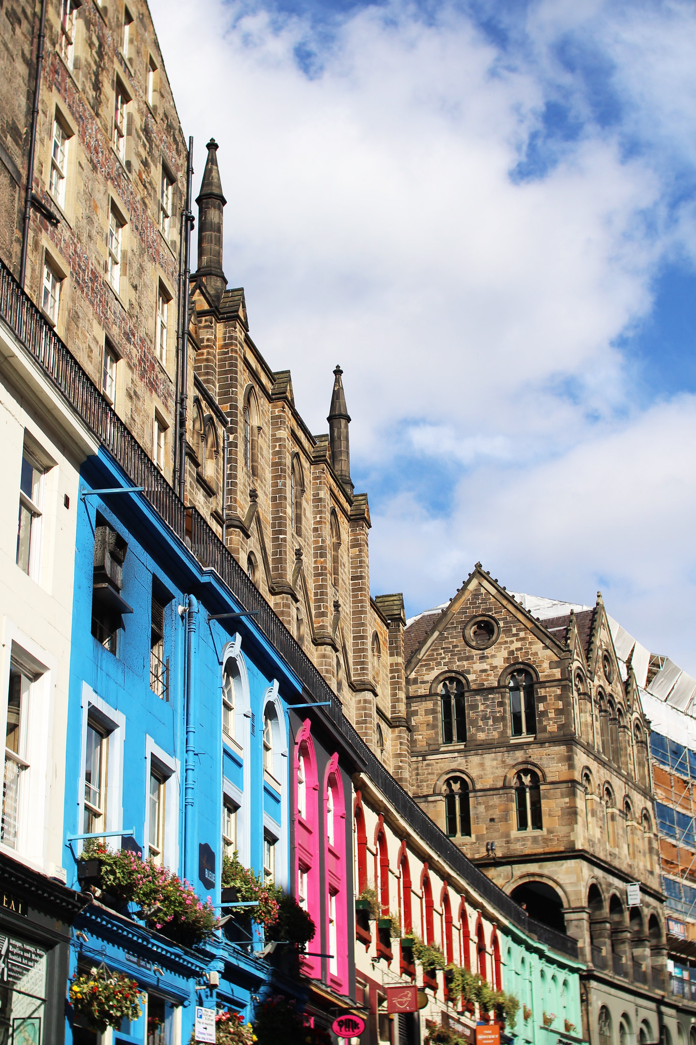 how to be a tourist in your own city Edinburgh travel blogger UK
