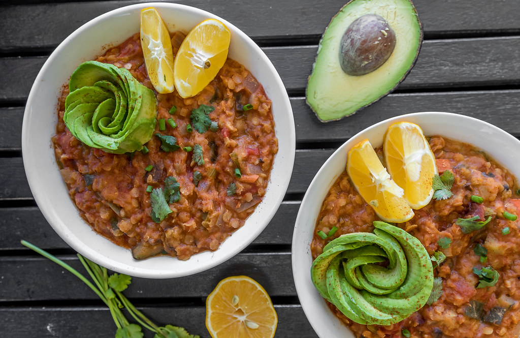Pressure Cooker Mexican Lentil Stew | What A Vegan Couple Eats In Day + Recipes! sweetsimplevegan.com #vegan #recipes #vegancouple #whatveganseat