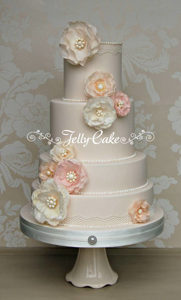 Vintage Rice Paper Flowers Wedding Cake | Exhibited in the W… | Flickr