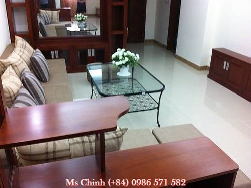 cheap 3 bedroom apartment for rent in green park cau giay district