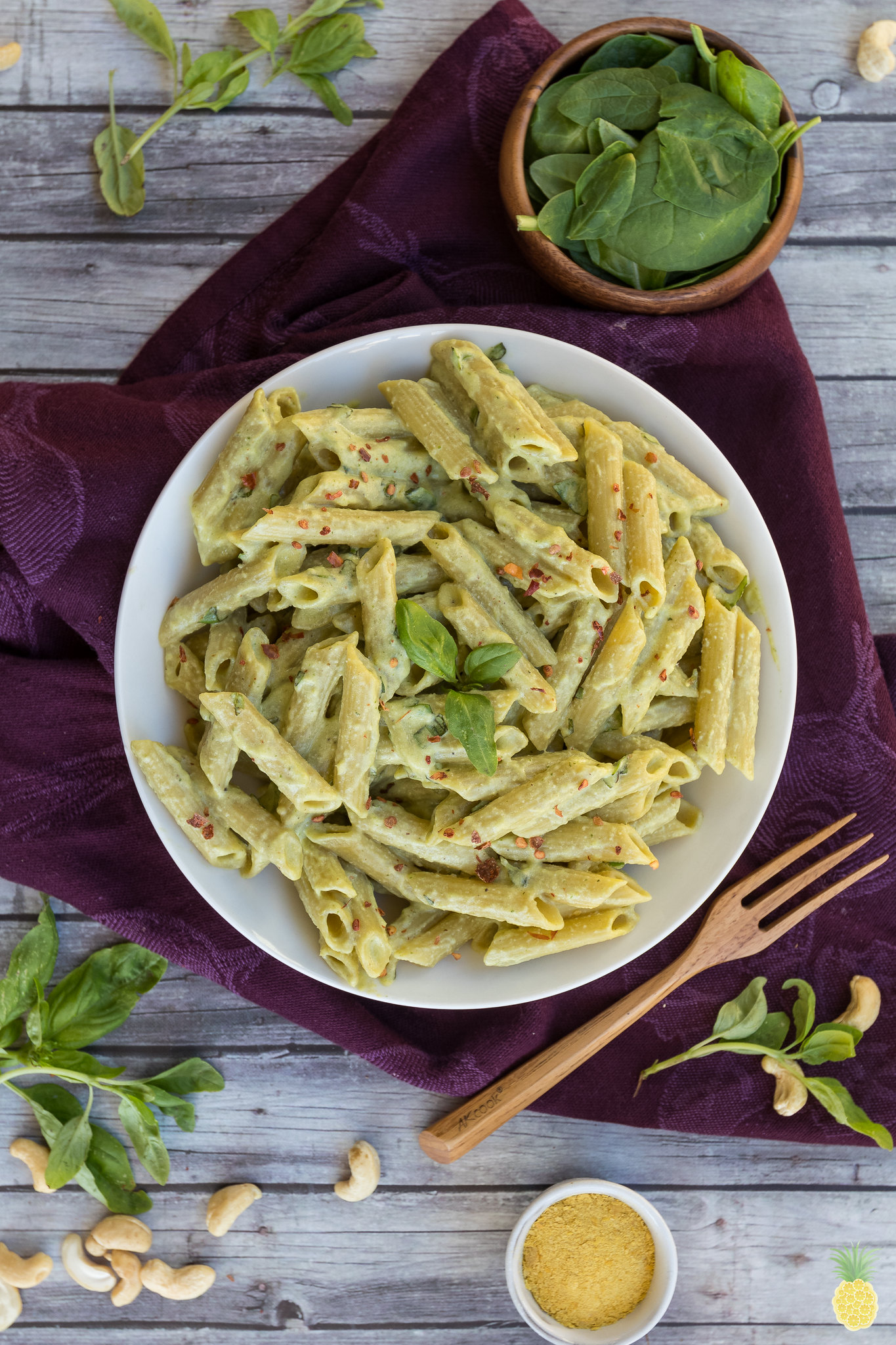 The Best Creamy Basil Alfredo Sauce {oil- & gluten-free} + St. Patrick's Day Recipe Round Up! sweetsimplevegan.com