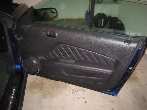 2012 ford mustang gt passenger side door panel remove