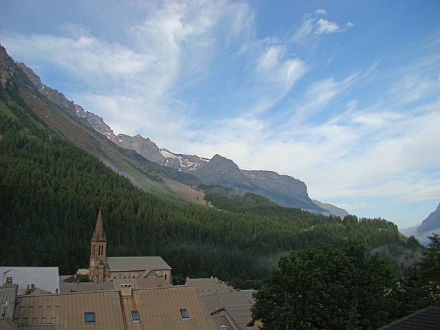 002 Uitzicht vanuit hotel in Villar d'Arene