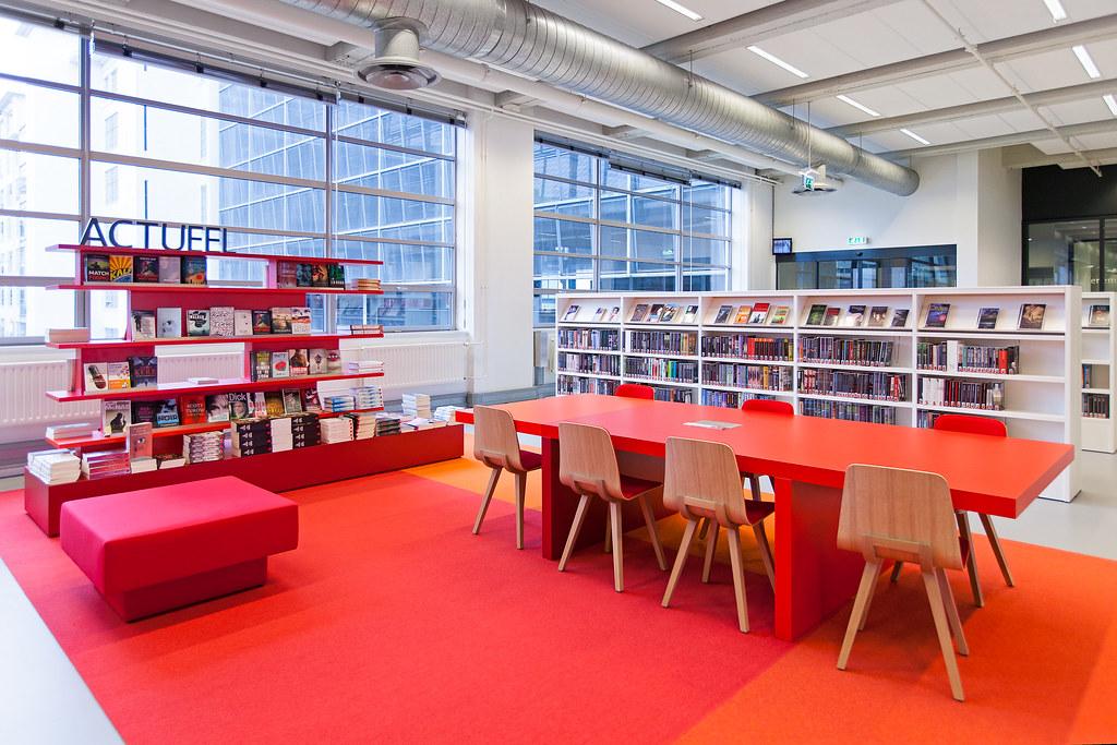 interieur centrale bibliotheek eindhoven by joris hoogstede
