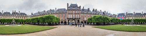 Place des Vosges | by cunningba