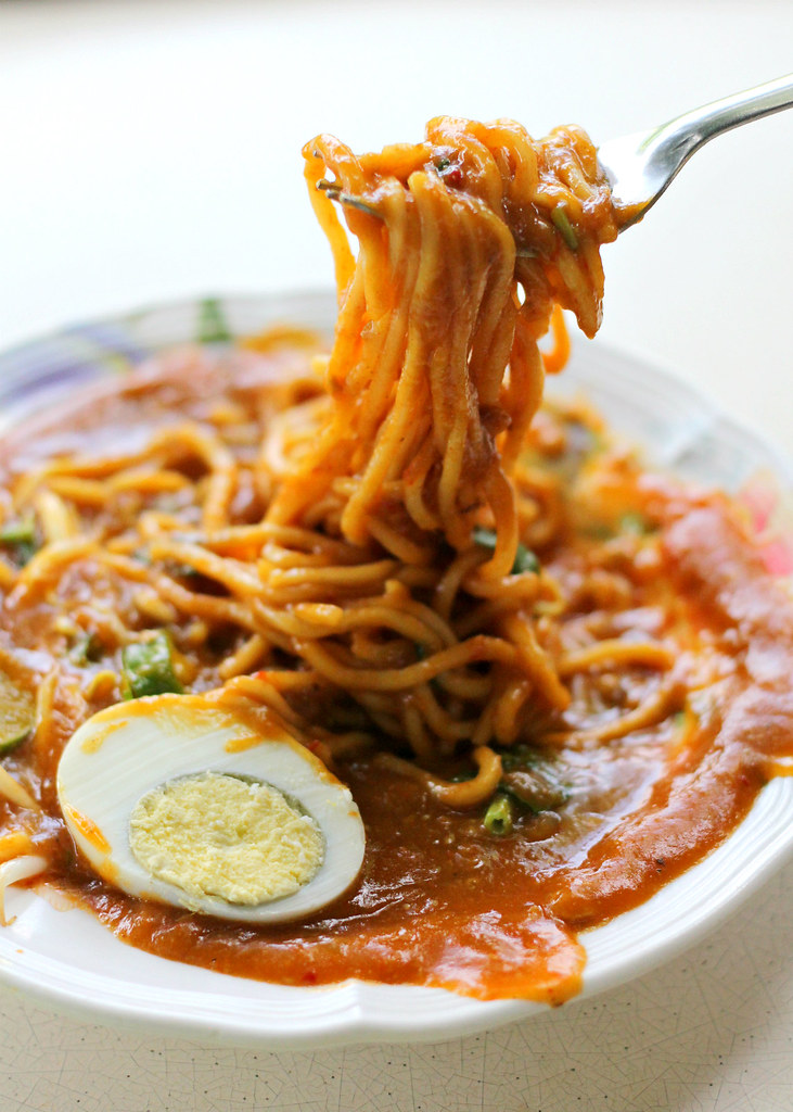 latiffa-huri-mee-rebus-noodles