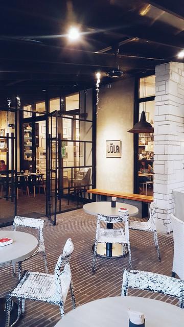 halfwhiteboy - lola cafe + bar 02