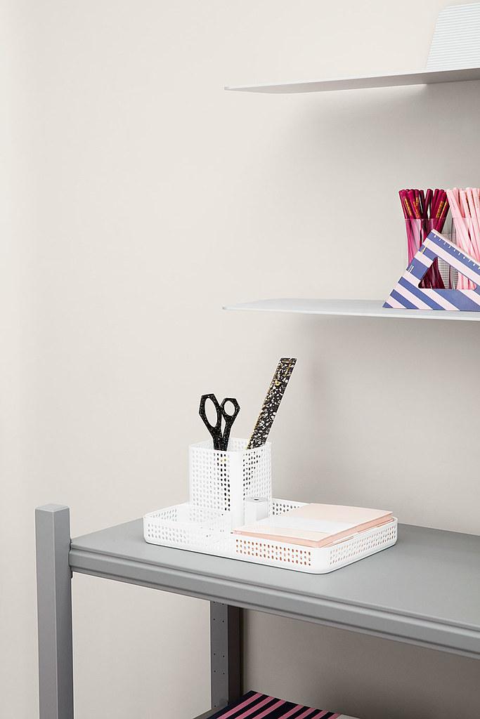 Aluminum shelves in industrial style by Simon Legald from Copenhagen Sundeno_05
