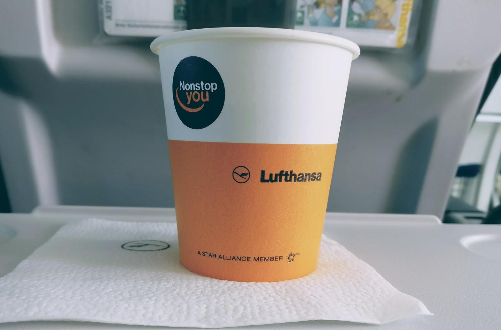 Mein erster kostenloser Flugzeug-Kaffee seit Monaten