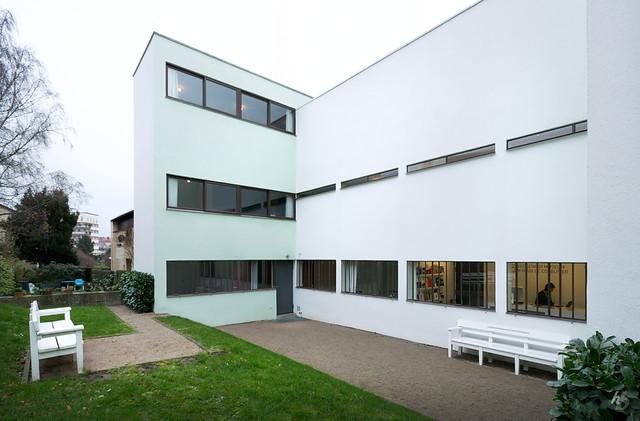 Haus le corbusier haus le corbusier at weissenhofsiedlung flickr - La villa savoye wikipedia ...