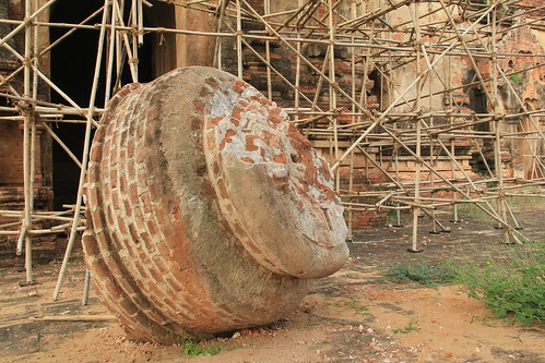 Damage to North Guni temple
