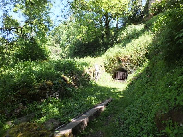 Capdenac - La fontaine Gauloise & La fontaine de César (Chemin des Fontaines)