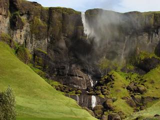 041 Waterval onderweg met harde wind