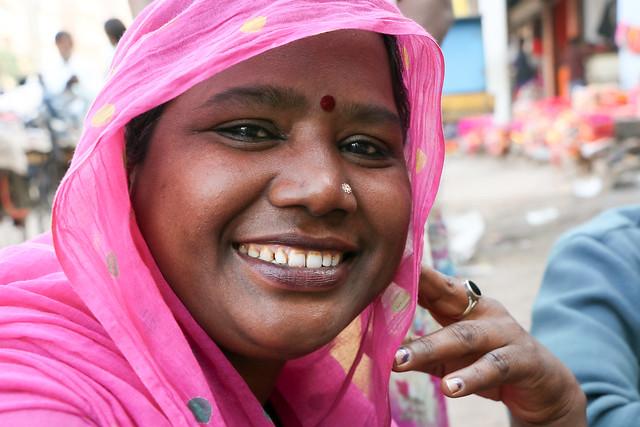 A woman with nice smile, Jodhpur, India ジョードプル 明るい笑顔が素敵な女性