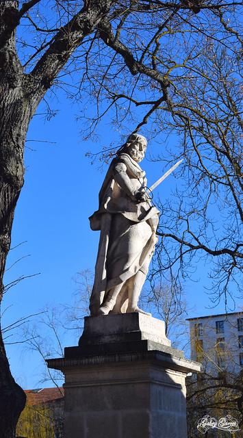 Sculpture of kings.