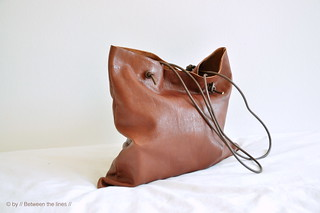 Simple leather bag tutorial | by // Between the Lines //