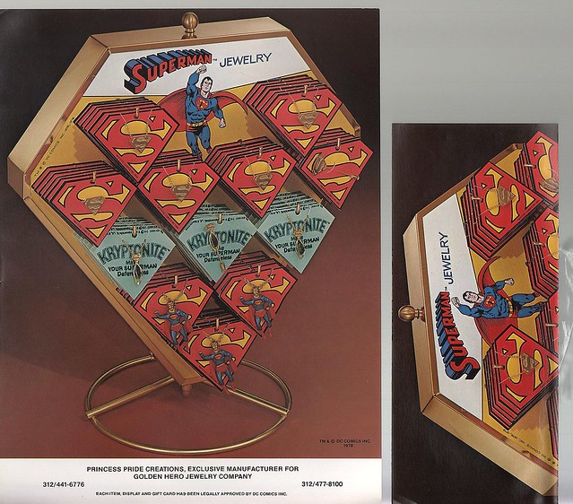 superman_sshieldpendant_display