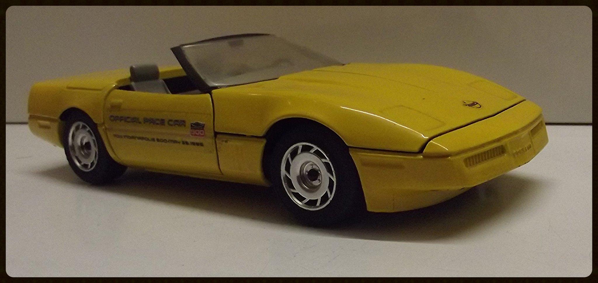 N°4204 Chevrolet Corvette Roadster. 32061711054_12d4de3160_k