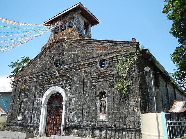 Botolan_Church_in_Zambales_facade