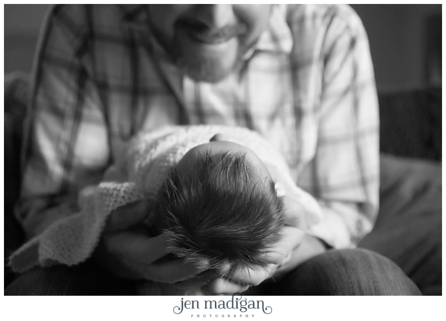guy-newborn-57-bw