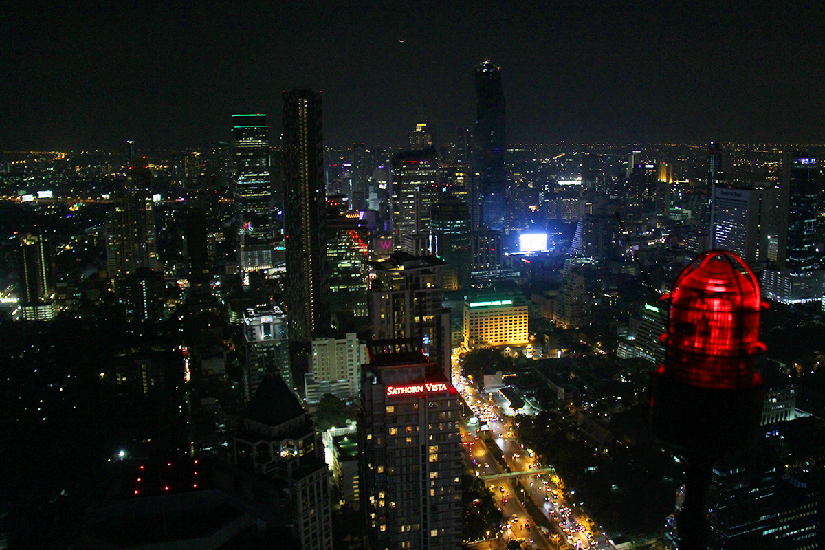 Bangkokin kattoterassit Moon Bar