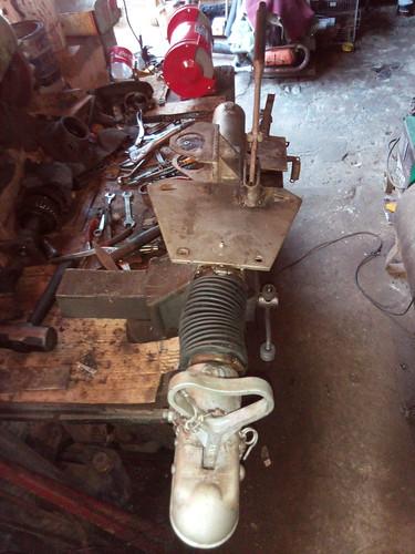 Manutenção no sistema inercial....esse deu dor de cabeça.....acho que o antigo proprietário deu pêndulo que até o cilindro mestre teve que ir para o torno.....