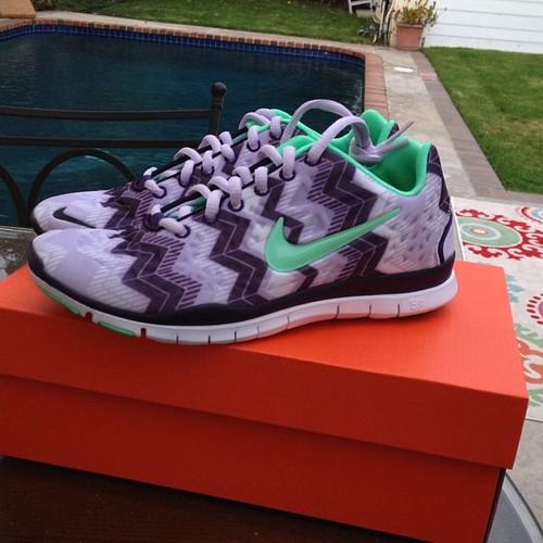 Sneaks Kicks Nike Shoes