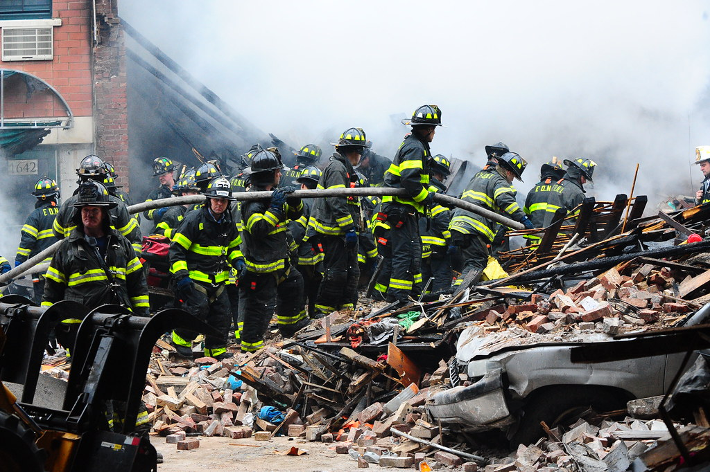 Fdny Responds To A 5 Alarm Fire And Collapse In Manhattan On 3 12