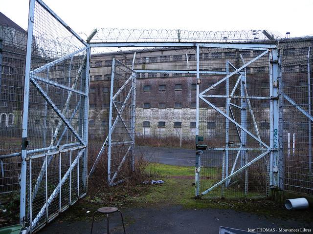 accès sécurisé prison loos