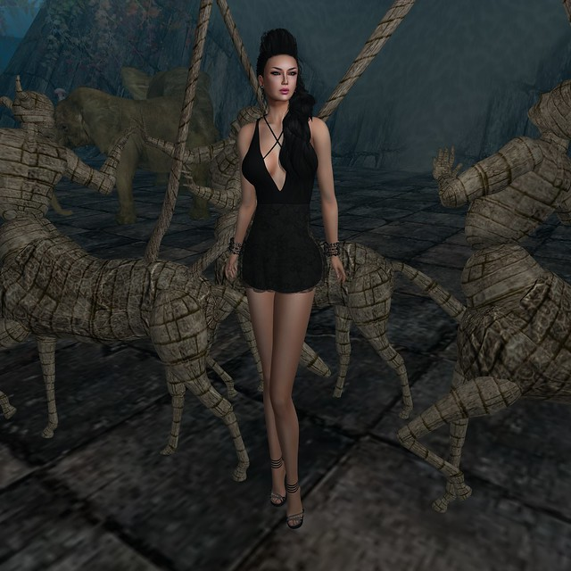 AnaSTyle - Maggie Black