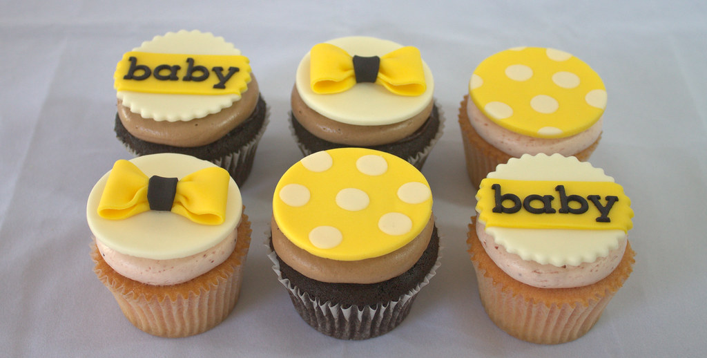 Black White And Yellow Baby Shower Cupcakes Sara Mayes Flickr