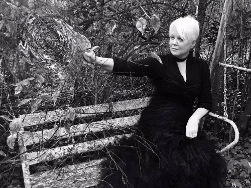 Cindy Wilson press photo
