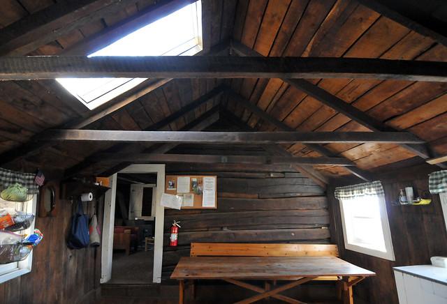 cabin32