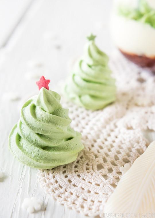 christmas tree meringues by raspberri cupcakes christmas tree meringues by raspberri cupcakes - Christmas Tree Meringues