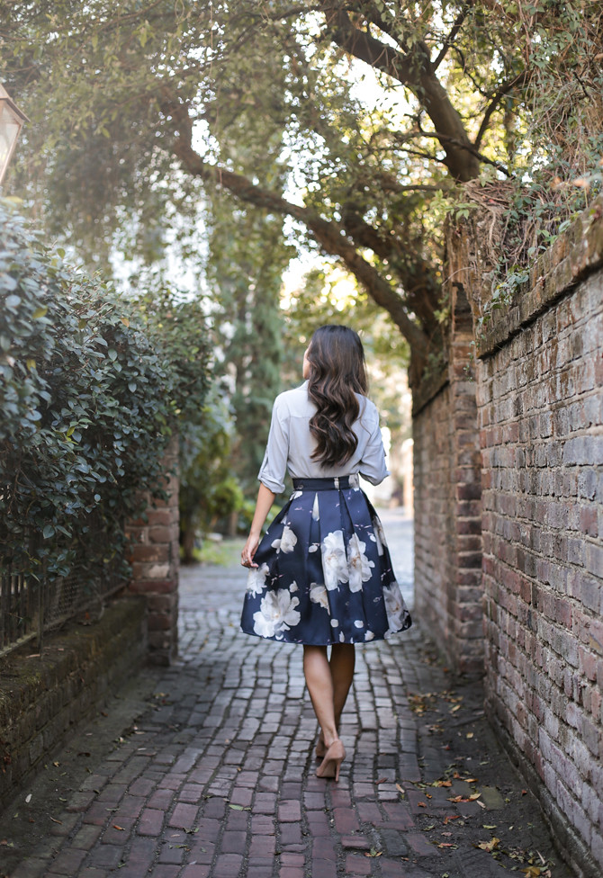 floral flared A line skirt spring outfit ideas petite style