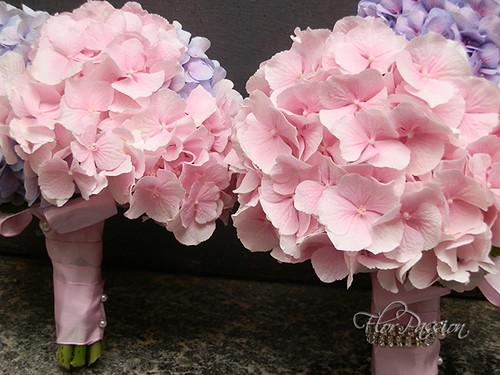 Rose Avalanche E Ortensie : Bouquet sposa e lancio con ortensie sfumature rosa