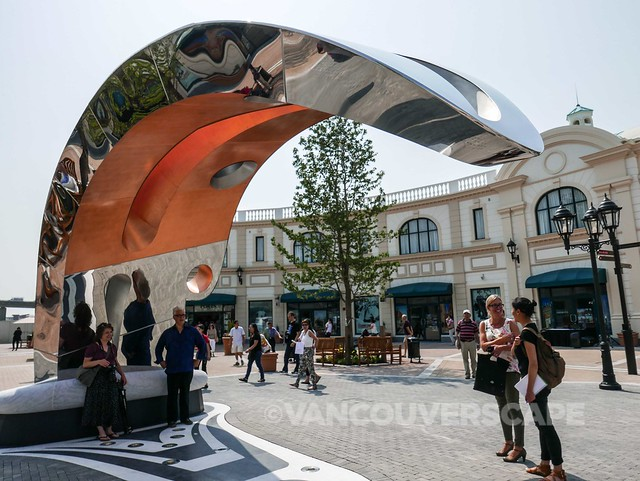 McArthur Glen Designer Outlet-2