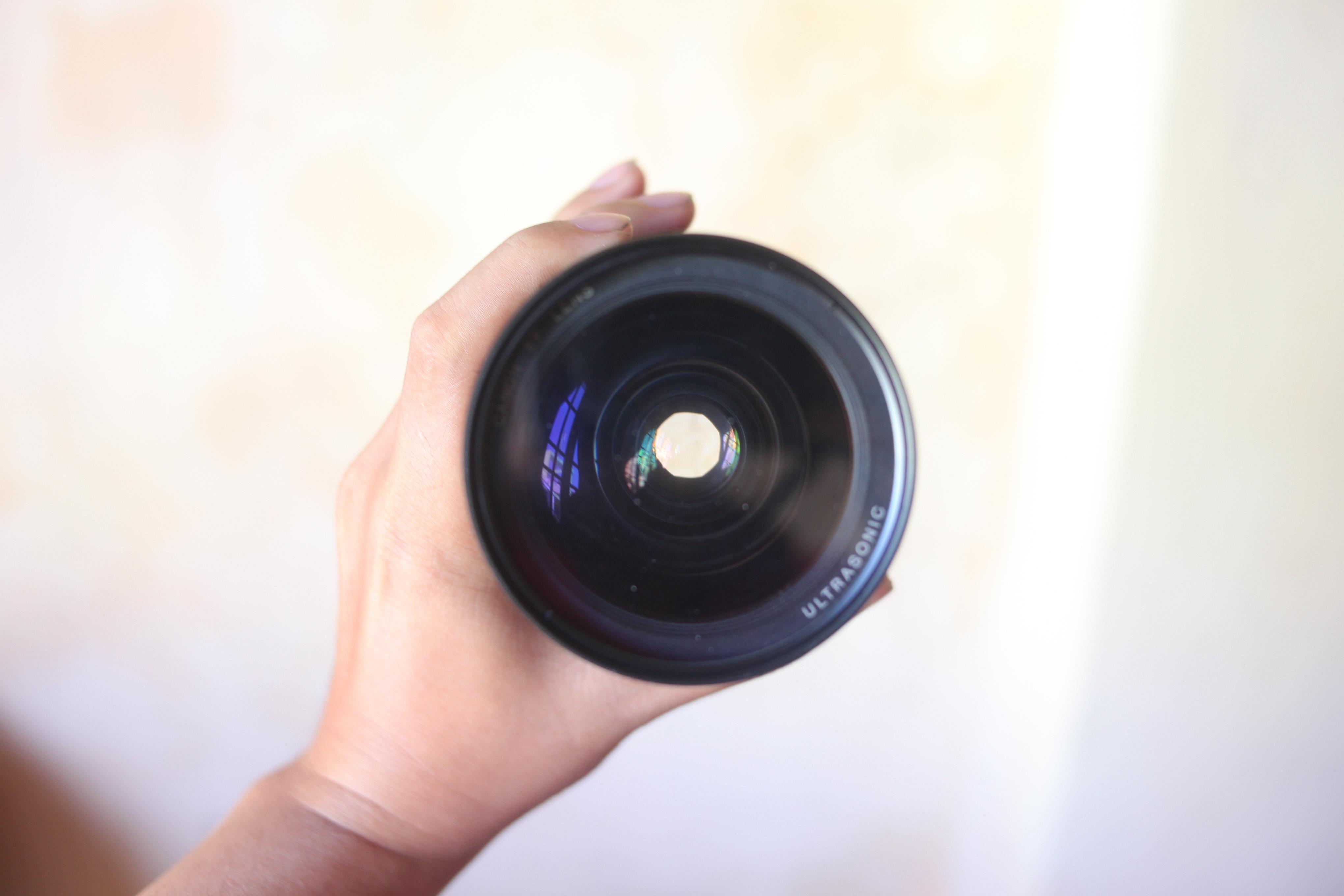 Cần bán lens Canon 28-70L f2.8 33087619840_715ec26c9c_o