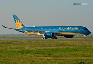 350.941 VIETNAM AIRLINES VN-A892 086 FERRIED TLS-HAN 15. - 16. Mar 2017 ON DELIVERY TLS