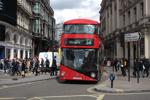 Arriva London North LT233 LTZ1233
