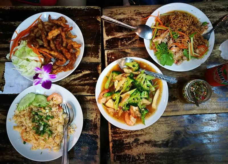 Bangkok-foodtrip | www.wearejuanderers.com
