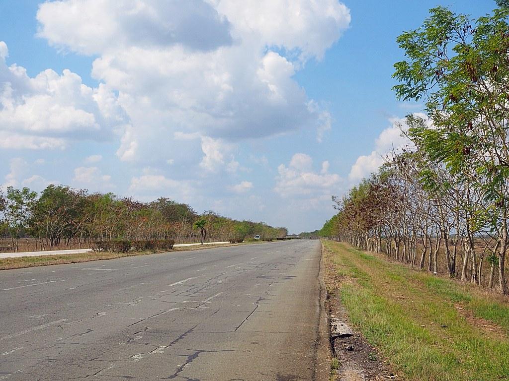 Autoilu Kuubassa