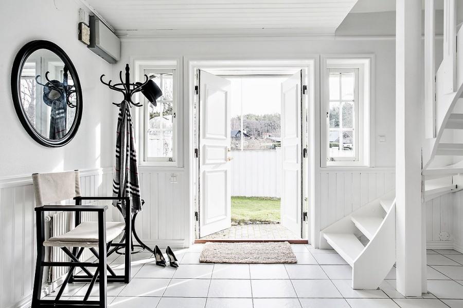 Glamorous White Scandinavian Home